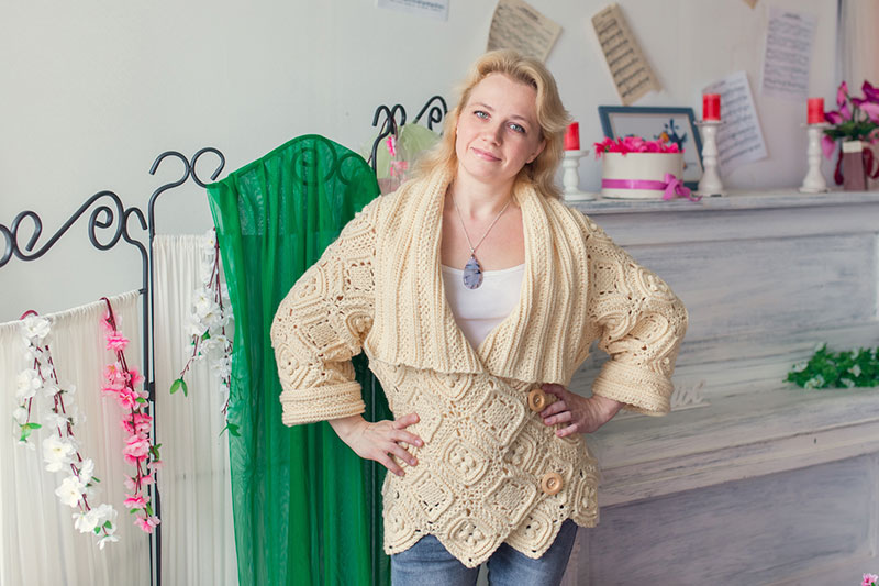 Warm crochet cardigan pattern