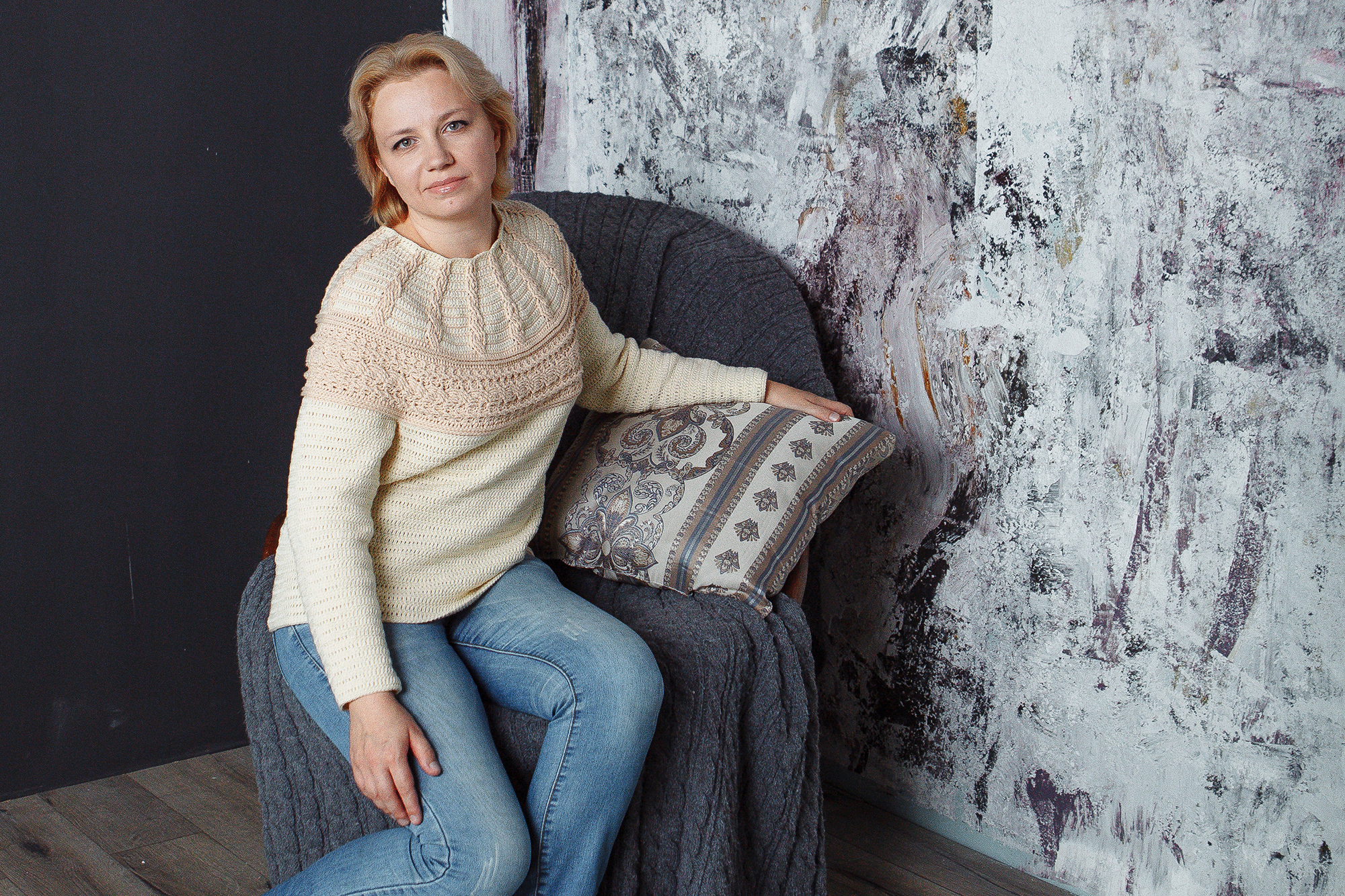 Cable yoke crochet pullover pattern